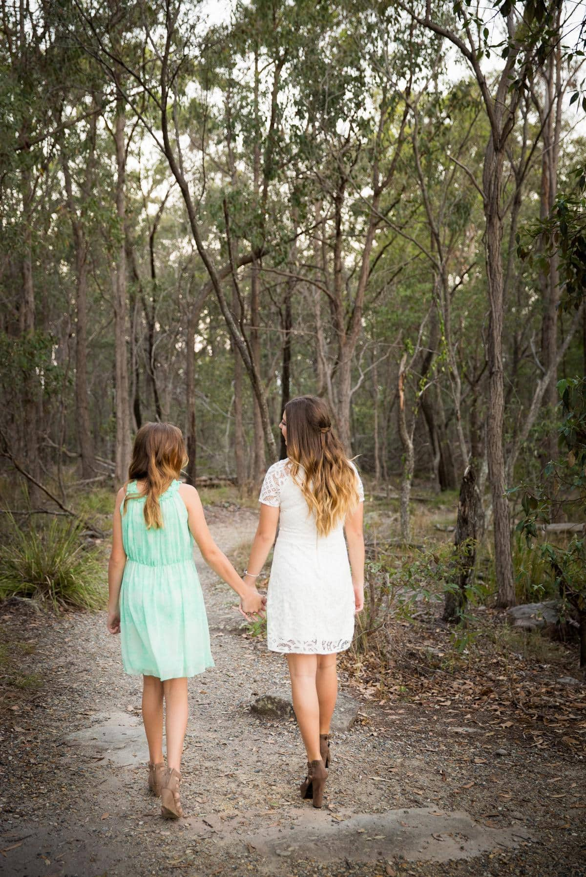 Sisters Photoshoot Field + Forst Photography www.fiendnandforest.com.au